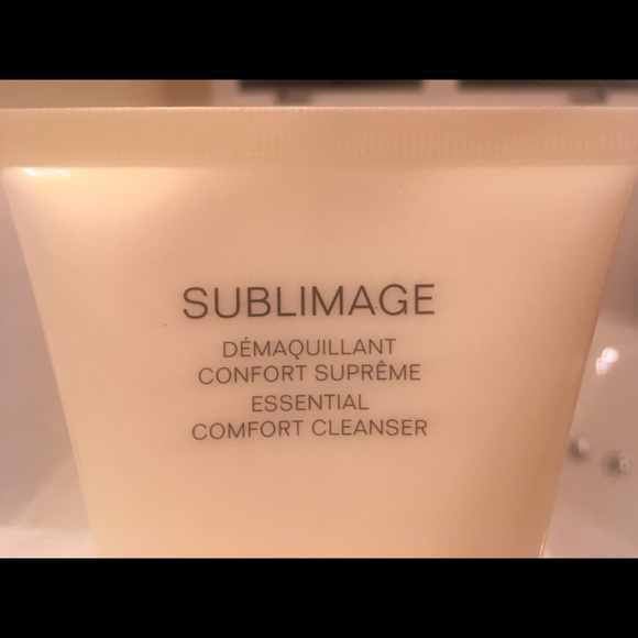CHANEL Other - Chanel Sublimage Comfort Cleanser
